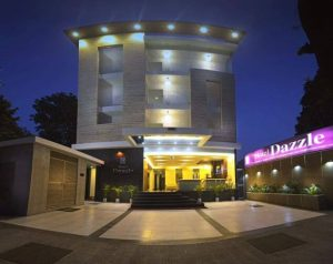 Hotel Dazzle In Agra India {Review}