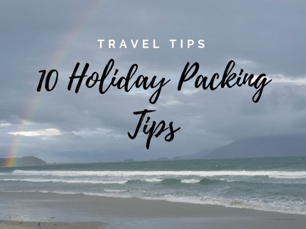 10 Holiday Packing Tips {Travel Infographic}