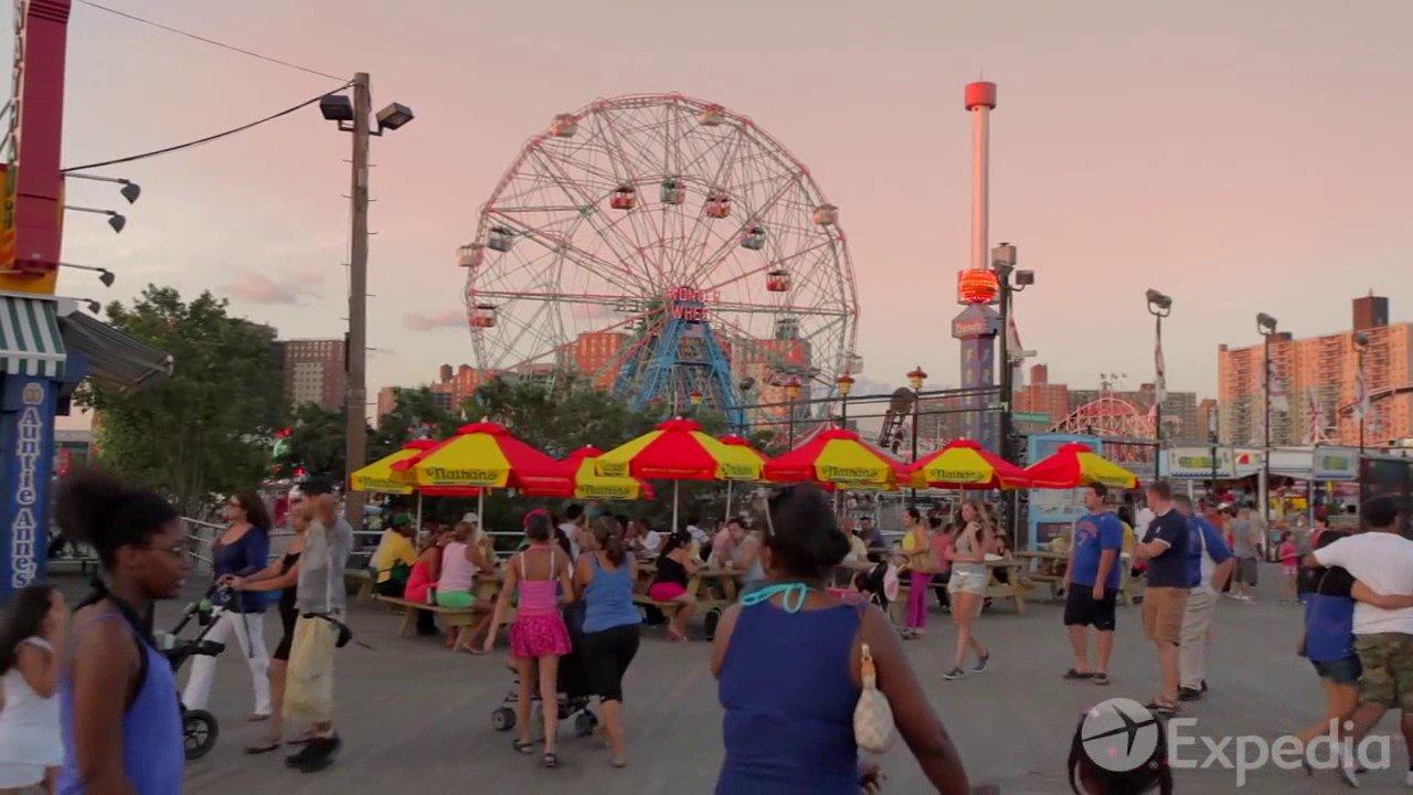 "Копия видео ""New York City Vacation Travel Guide   Expedia"""