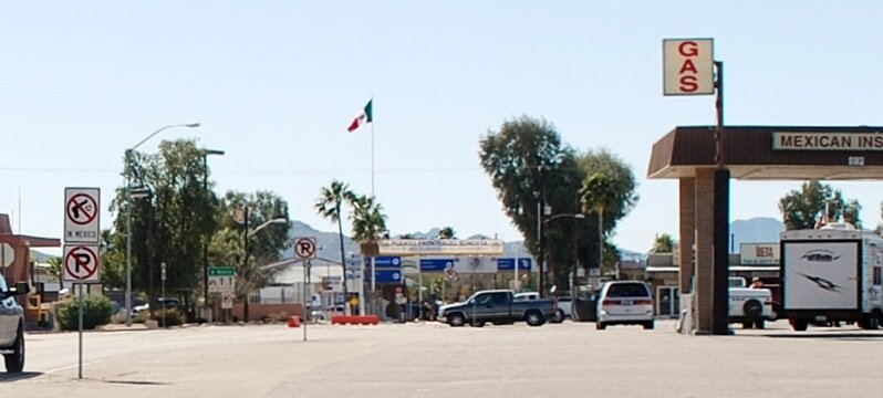 Helpful Lukeville Border Crossing Tips {Arizona}