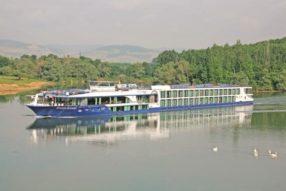 Benefits Of River Cruising {Top 10 Reasons}