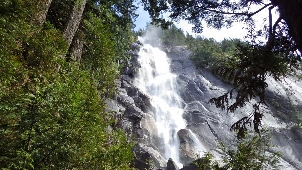 Shannon Falls Provincial Park {Squamish BC}